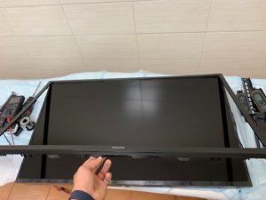 Демонтаж корпуса телевизора Philips